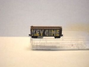 MICRO-TRAINS-LINE-Z-SCALE-WEATHERED-40-039-BOX-CAR-AT-amp-SF-502-44-060
