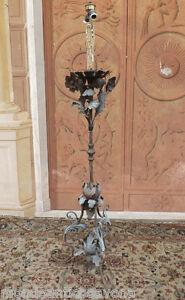 Ricercato-Candeliere-candelabro-in-ferro-fiorito-Veneziano-epoca-039-700