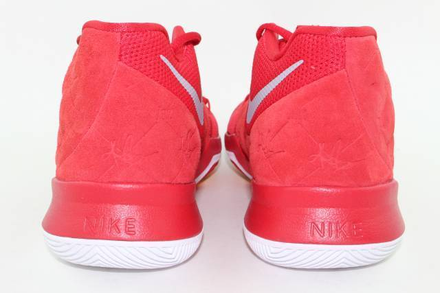 KYRIE 3  UNIVERSITY RED  YOUTH YOUTH YOUTH SIZE 5.5 SAME AS WOMAN 7.0 NEW AUTHENTIC 094a1f