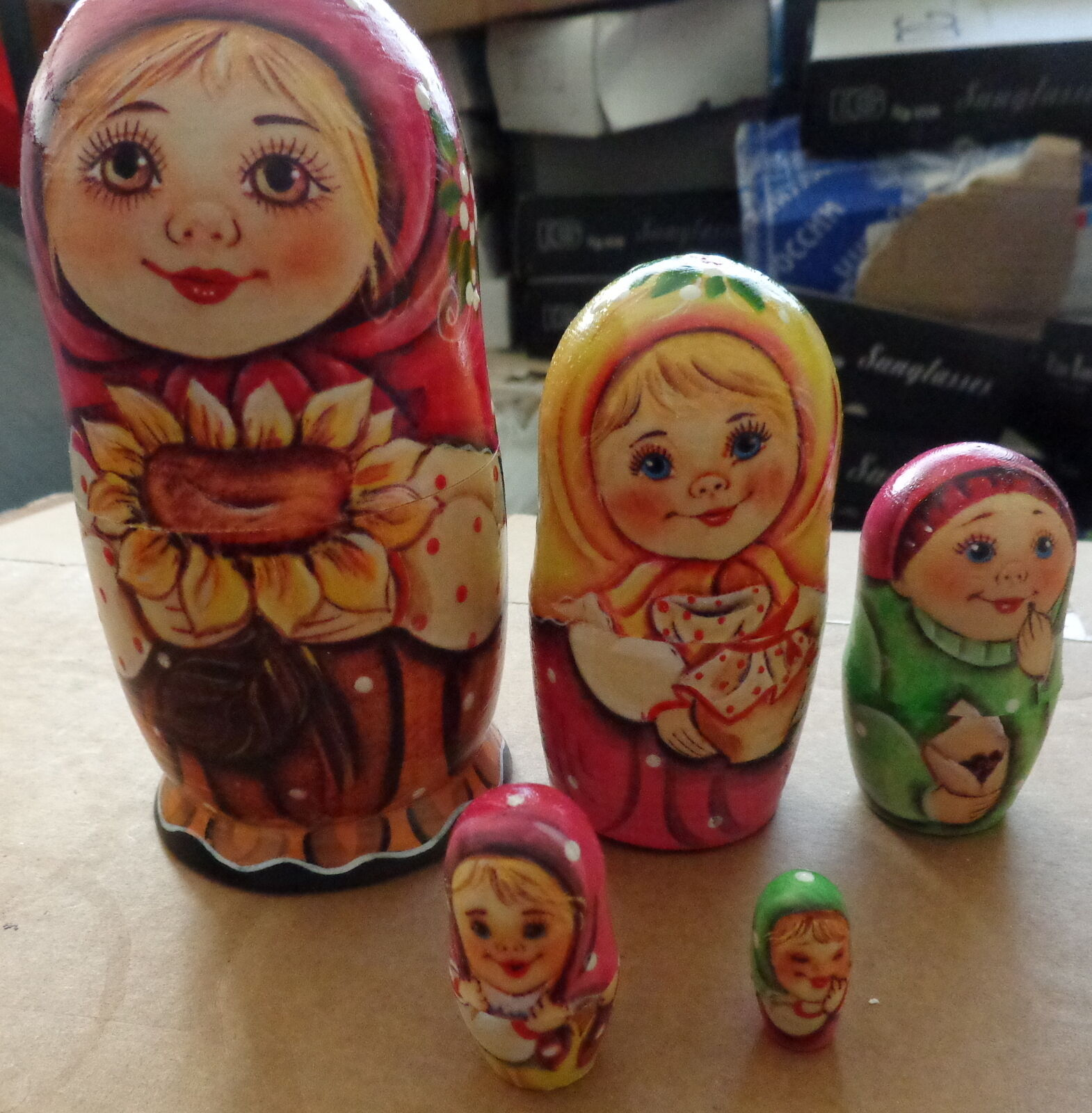 Superb  QUALITY  girl with sunflower RUSSIAN NESTING DOLL 5 PCS  LARGE 5.8