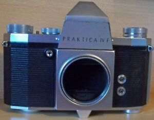 Praktica-IV-F-35mm-Camera