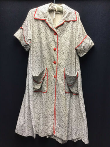 True Vintage 1948 to 1950s Cotton Bathrobe