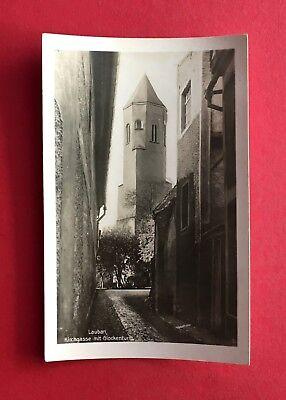 PüNktlich Foto Ak Lauban In Schlesien Um 1930 Kirchgasse Mit Glockenturm ( 40474