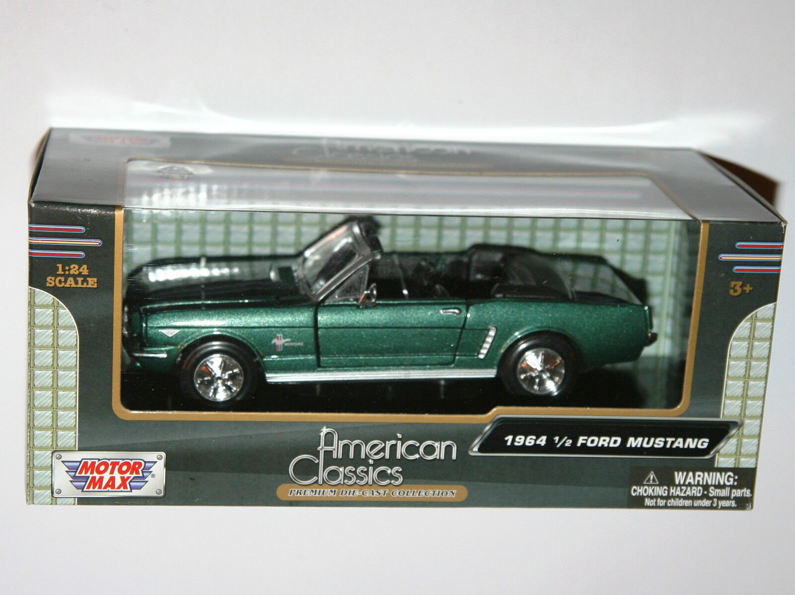 Motor Max - 1964 FORD MUSTANG Congreenible (Green) - Model Scale 1 24