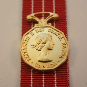 Canadian Forces Decoration, Miniature