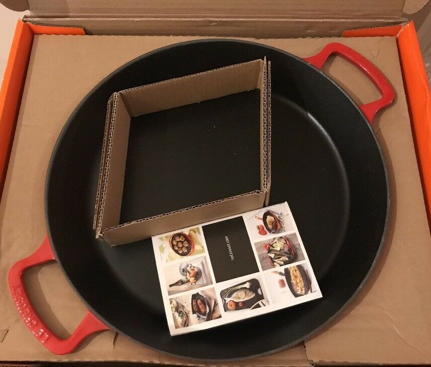 Le Creuset 34cm Cast Iron Paella Pan - Cerise ( BNIB)
