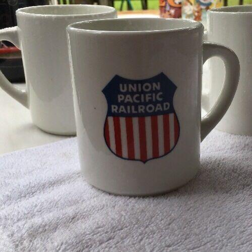 COFFEE MUG UNION PACIFIC  RAILROAD Cup trains Railway White