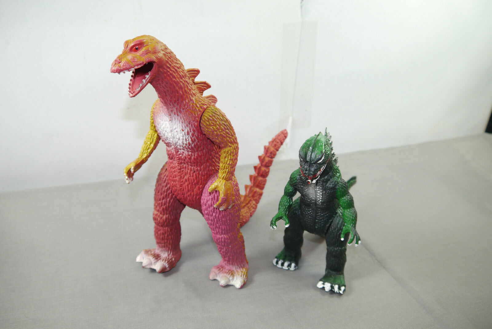 Godzilla   King Kong 2 Figuren Años 80 Imperial Toys (K49a)
