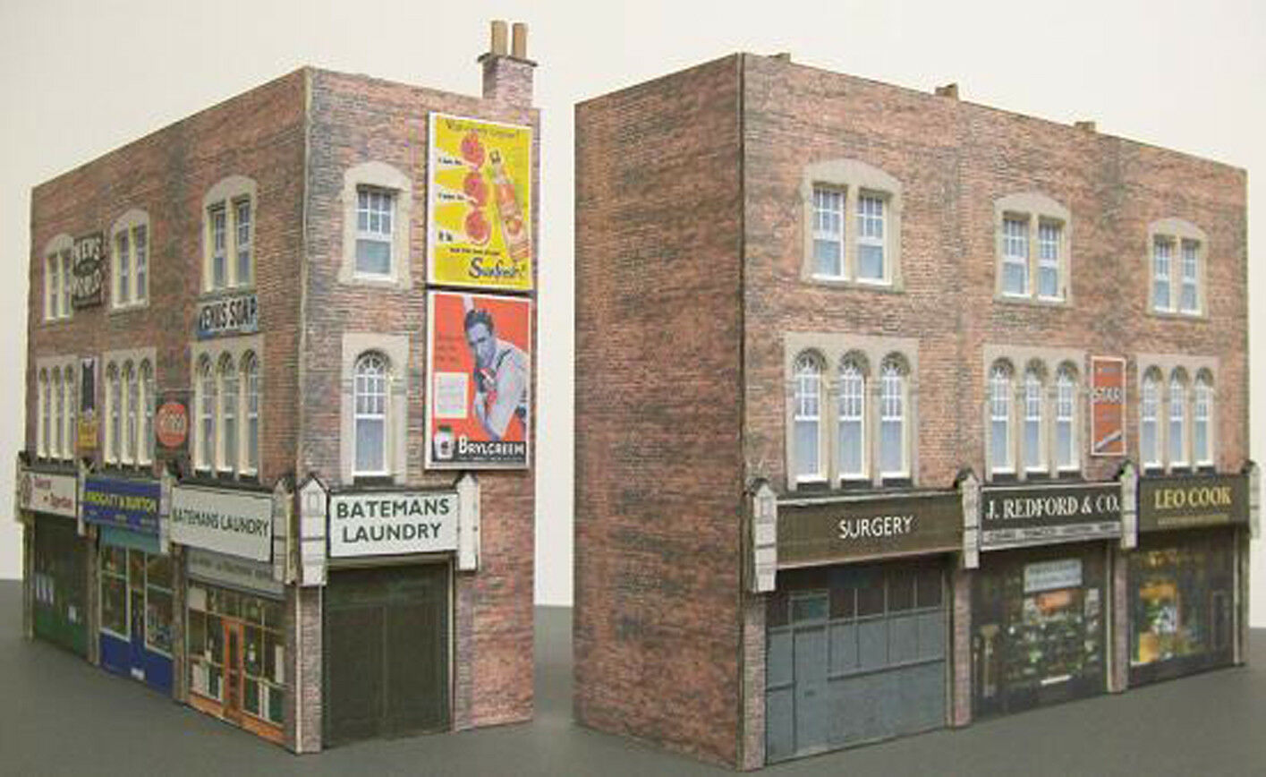 Kingsway, 00 scale, Three high street shops, two versions, Kit build service.