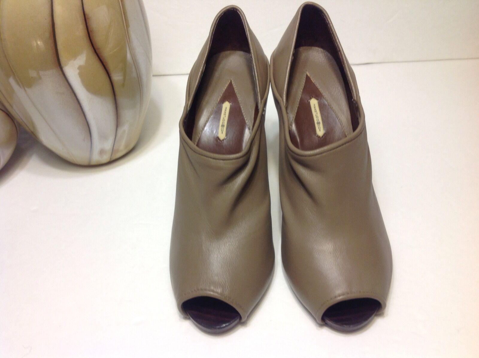 MAX STUDIO XIAN NWOB Größe 8.5 165 taupe Damens's peep toe heels booties