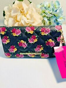 Betsey-Johnson-Z-A-Wallet-Wristlet-Zip-Around-Floral-Blush-Multicolor-Large