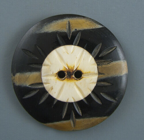 LARGE CARVED HORN CLOTHING BUTTON