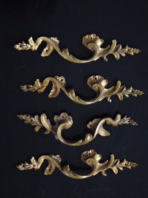 4 poignées en bronze style louis XV