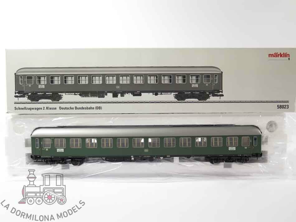VA03 - ESCALA 1 - MÄRKLIN 58023 Schnellzugwagen 2.Klasse B4üm-61 19 395 München