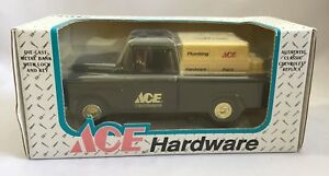 1994-NIB-Ertl-Diecast-Metal-Coin-Bank-1955-Chevy-Ace-Hardware-Truck-w-Lock-2920S