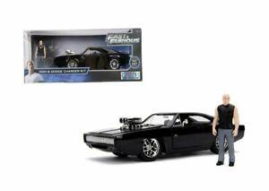Doms-Dodge-Chargeur-R-T-avec-Figure-Fast-And-amp-Furious-7-Noir-1-24-Jada