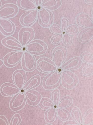 Lacey Daisy Confection Pink Gold Michael Miller Fabric FQ More 100/% Cotton