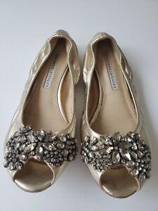 Vera Wang Womens Gold Leather Rhinestone Peep Toe Ballet Flat Shoes   SIZE 5.5