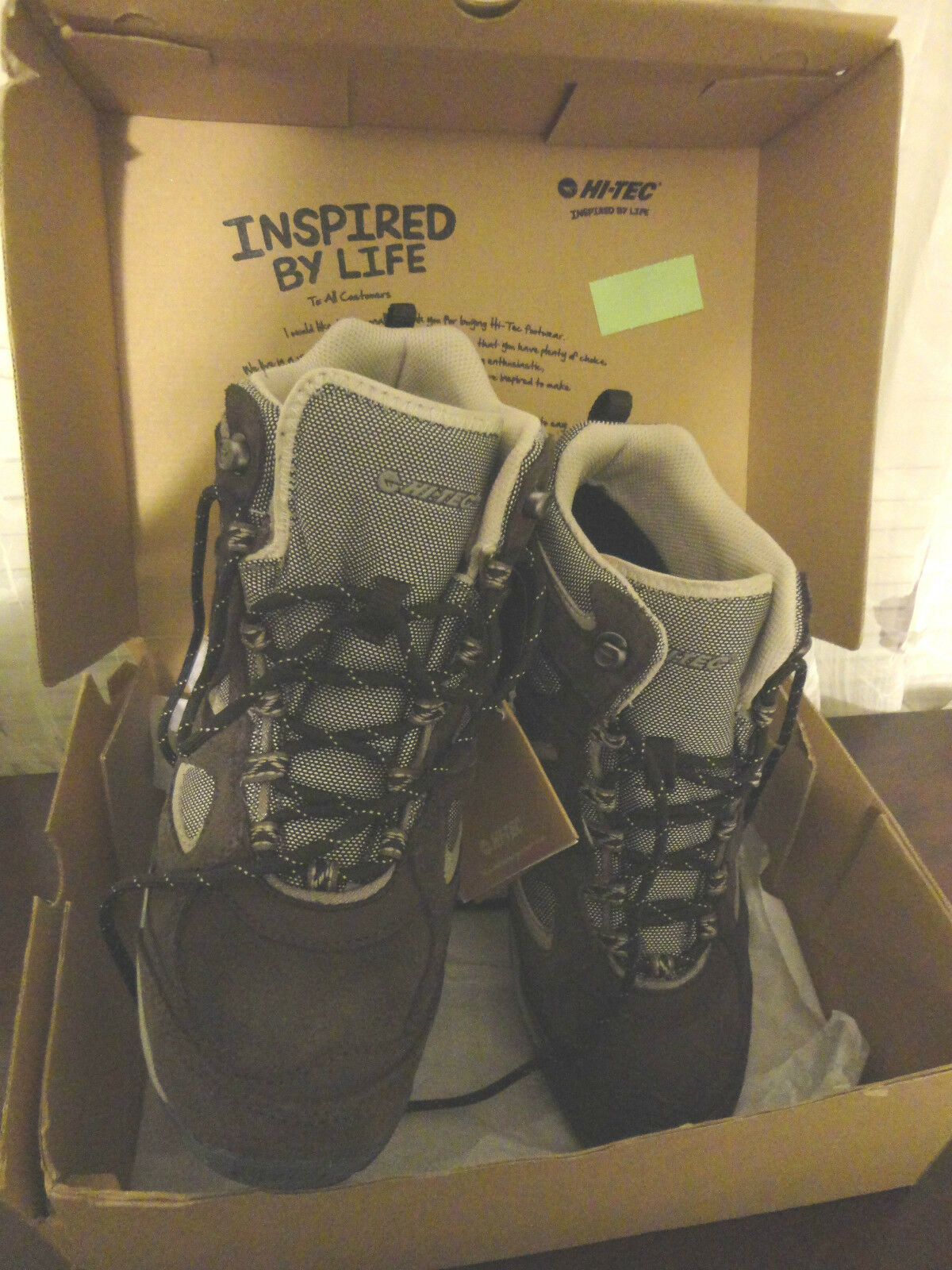 HI-TEC INSPIRED BY LIFE WOMENS WATER PROOF HIKING BOOTS SHOES SIZE 9.5