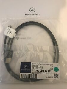 NEW-Genuine-Mercedes-Benz-Micro-USB-Media-Cable-Interface-A2138204402