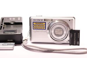 Sony-Cyber-shot-DSC-S950-10-1MP-Digital-Camera-Silver