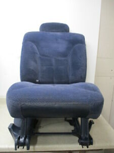 95 To 99 Chevy Suburban Right Rear 60 40 Second 2nd Row Folding Seat Oem Blue Ebay