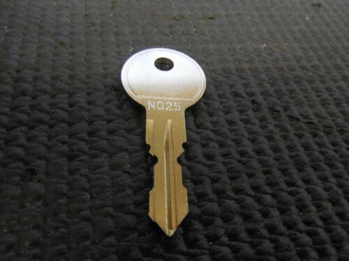 Ersatzschlüssel THULE N025 Schlüssel Dachbox Dachkoffer Fahrrdträger