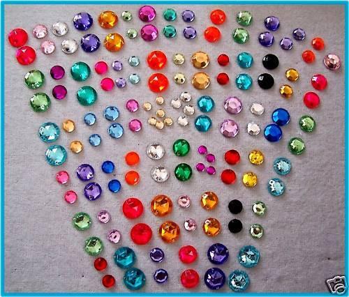 144 strass pietre in plastica 10 mm Nuovo Paillettes