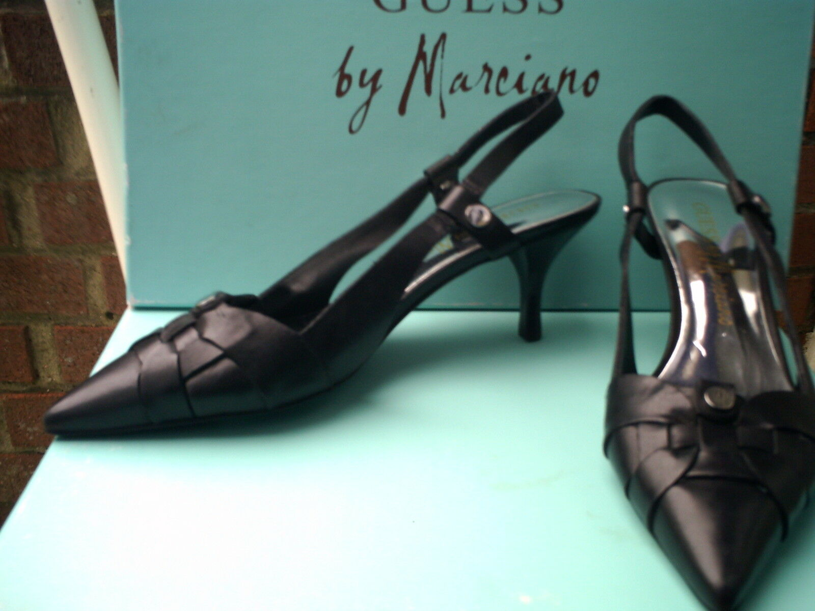 ESCARPINS (36) GUESS by MARCIANO (+de 150euros)