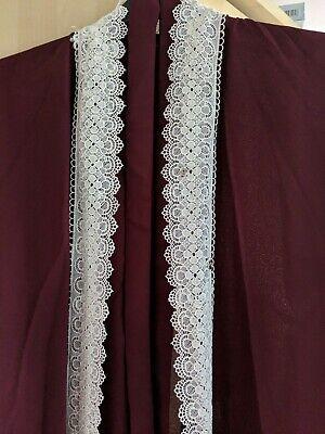 Cordiale Fancy. Bordeaux Eid Abaya In Pizzo Bianco Taglia 56 Made In Emirati Arabi Uniti-mostra Il Titolo Originale