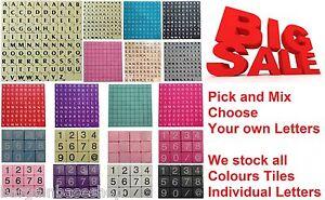 Pick &amp; Mix en plastique de couleur/bois SCRABBLE TILES Lettres Chiffres/@ de 1-1000  </span>