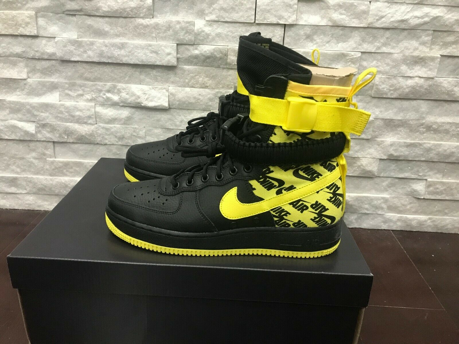 Nike SF AIR FORCE 1 shoes Black Dynamic Yellow AR1955-001 Mens Size 9 New