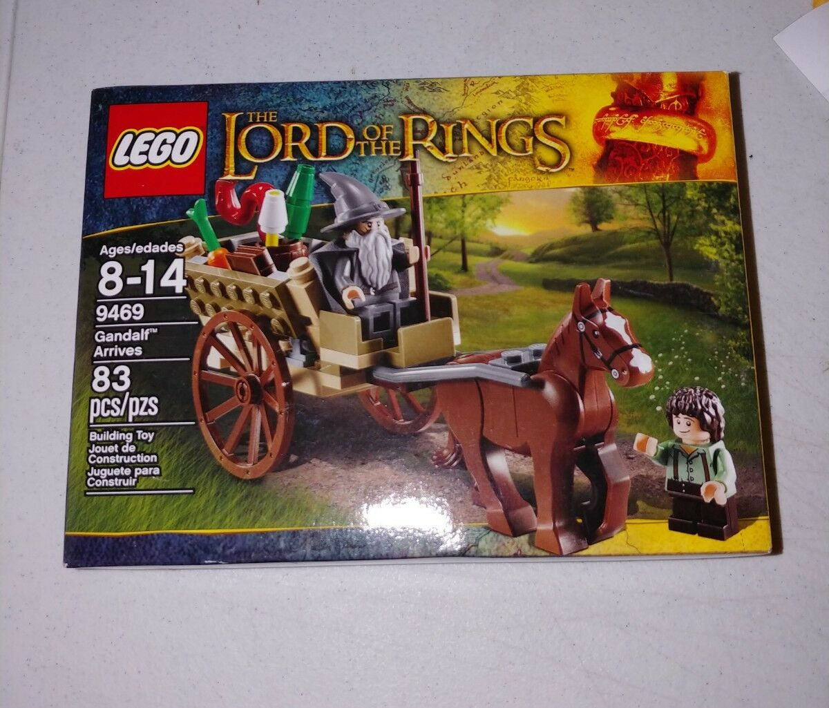 LEGO Lord of the the the Rings Gandalf Arrives (9469) -- New, Sealed, Retired e8b388