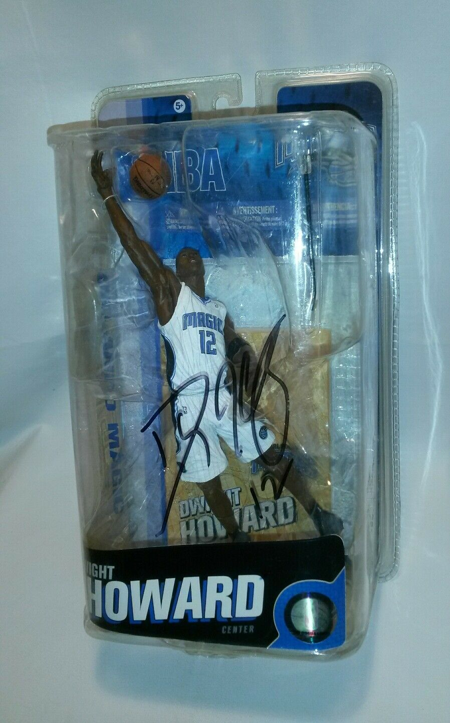 RARE AUTOGRAPHED MCFARLANE SERIES 18 NBA DWIGHT HOWARD FIGURE ORLANDO MAGIC