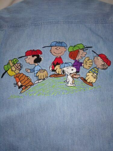 Vintage Peanuts Charlie Brown Snoopy Embroidered S