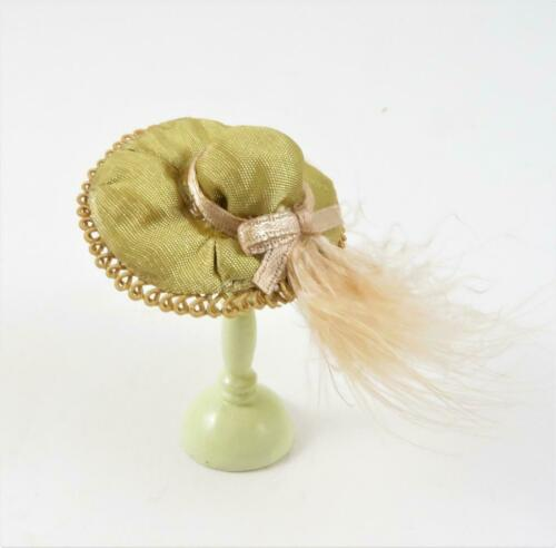 Dolls House Khaki Green Hat with Feather Milliners Shop Lady/'s Accessory