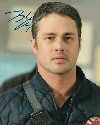 Taylor Kinney Signed Chicago Fire Tv Show 8x10 Photo Kelly