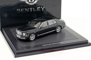 Bentley-Mulsanne-MDNGHT-emer-dunkelgrunmetallic-1-43-Minichamps