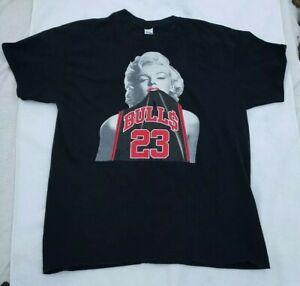c80e1269878 Marilyn Monroe w/ Michael Jordan CHICAGO BULLS Jersey Black T-shirt ...