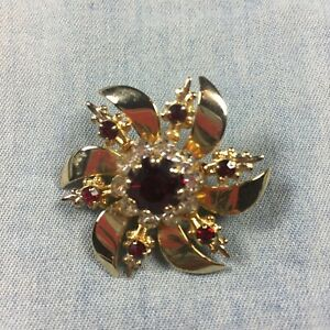 Vintage-Brooch-Gold-Tone-Metal-Red-White-Rhinestones-Faux-Ruby-Evening-Cocktail