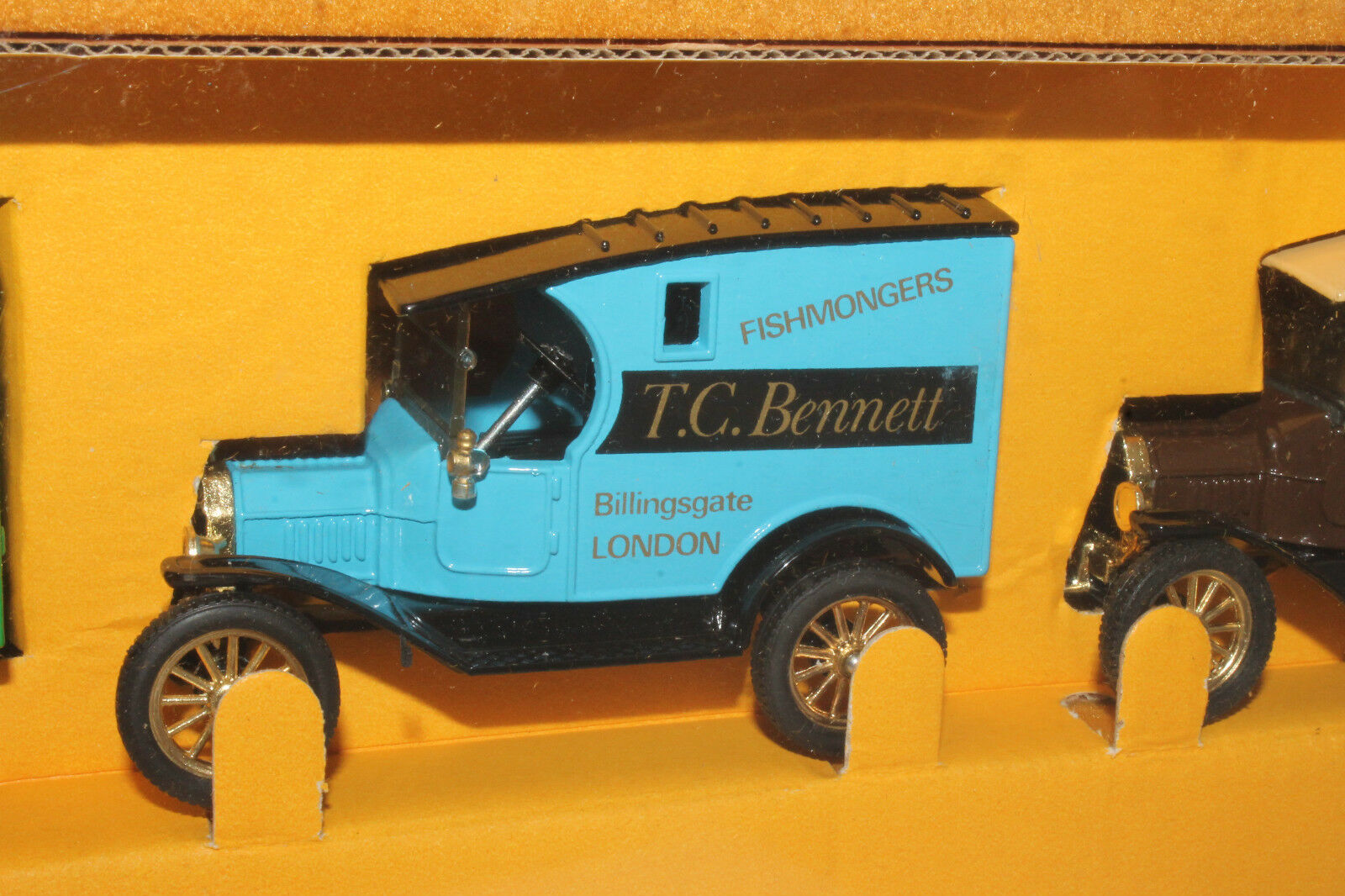 Corgi Transport of the 1930's, Group of 3 3 3 Model T Fords 652056