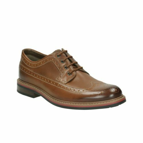 Clarks Men  Melshire Wing Tan Brogue Lea  Smart & Trendy  G