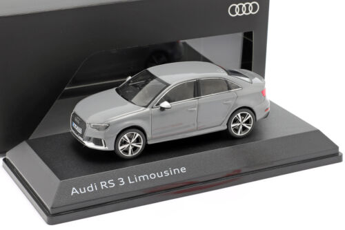 Audi RS 3 Limousine grau 1:43 iScale