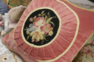 1-3-039-Chic-Shabby-Pink-Black-Victorian-Floral-Sofa-Chair-Throw-Needlepoint-Pillow