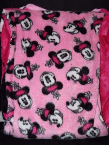 Disney Women/'s Minnie Mouse Minky Pajama Sleepwear Set