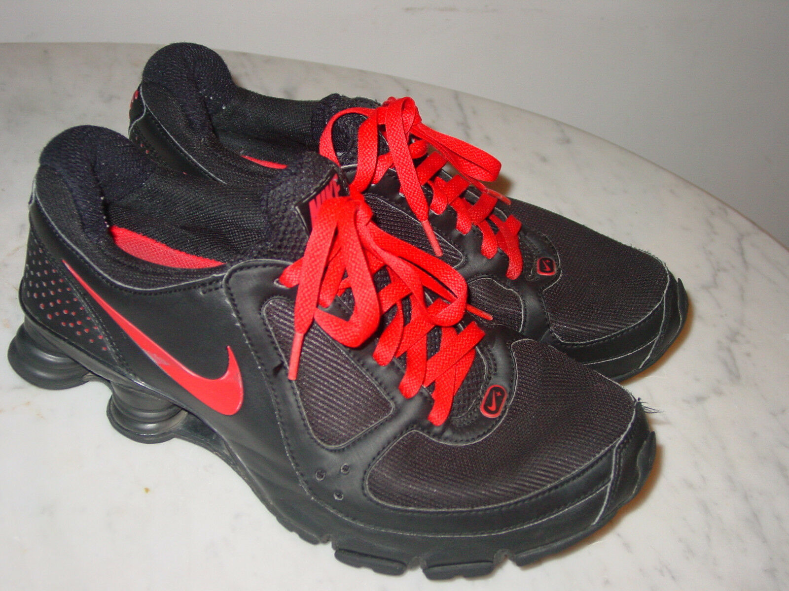 2009 Mens Nike Shox Turbo+ 10 Black Red Running shoes  Size 9  160.00