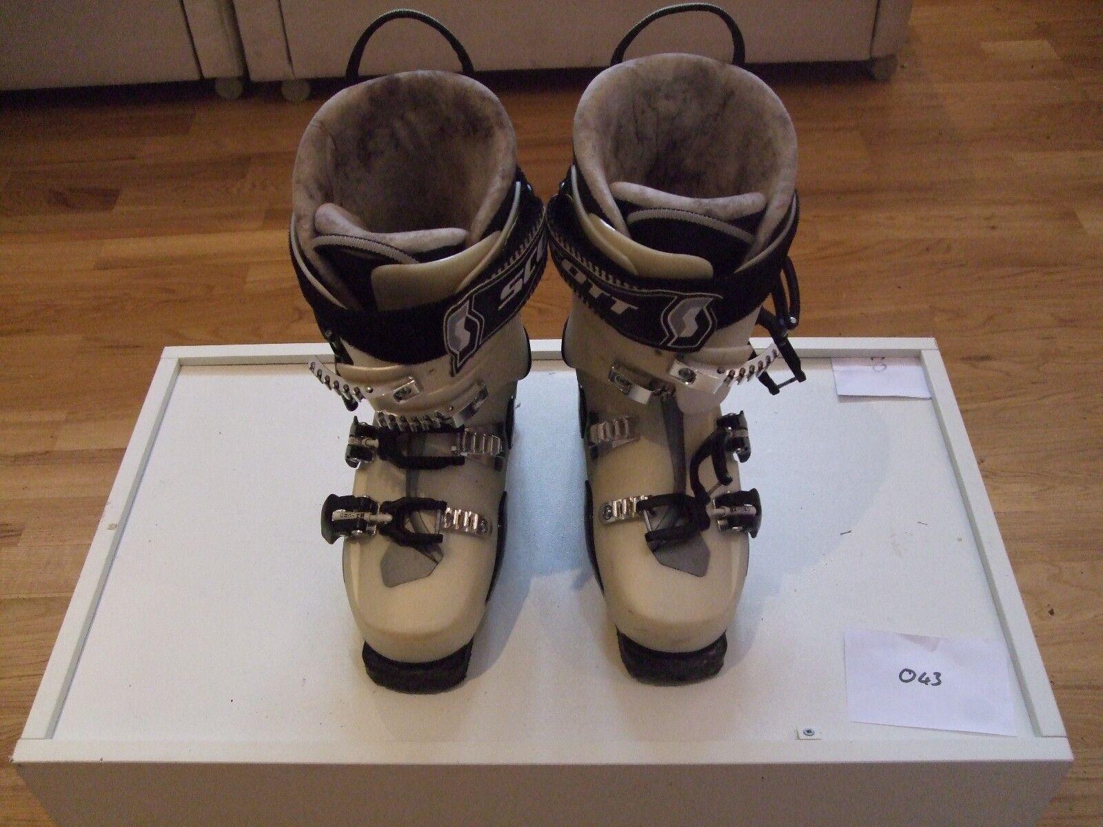Scott Asylum FR120 Ski Boots (size 25.5)