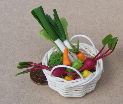 1:12 Scale 12 Assorted Vegetables In Basket 3.5cm Tumdee Dolls House Miniature