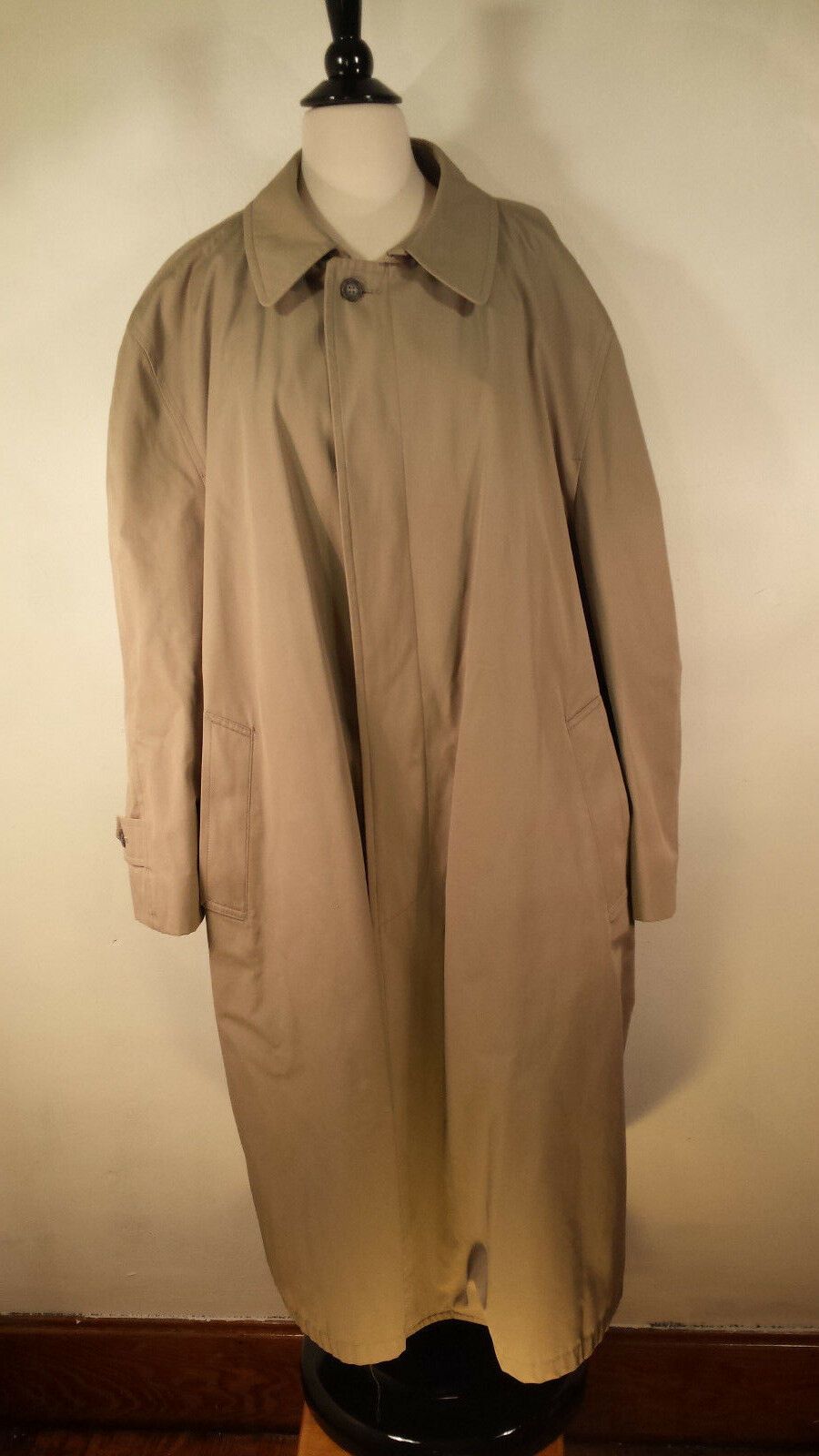 London Fog  Trench Coat  No Lining Beig Men's Size 46 Regular