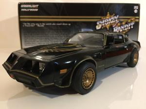Smokey-Y-Bandido-II-1980-Pontiac-Trans-Am-Greenlight-escala-1-24